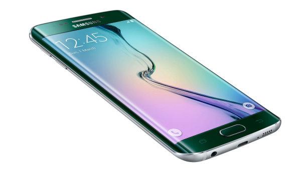 Samsung m� nejlep�� telefon na trhu. Galaxy S6 edge s�z� na luxusn� design
