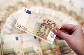 Nebankovní firmy půjčily loni v Evropě o 13 procent více peněz - Ilustrační foto.