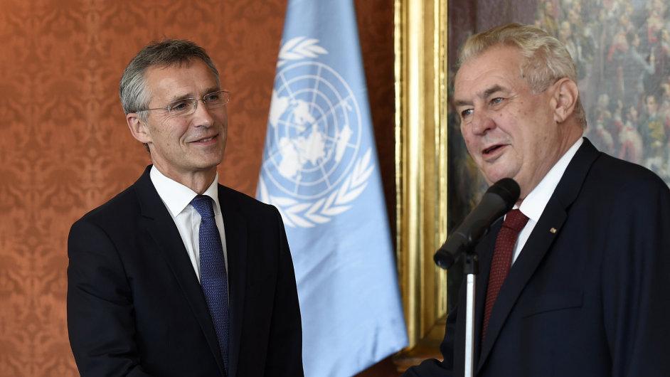 Prezident Miloš Zeman přijal na Pražském hradě generálního tajemníka NATO Jense Stoltenberga.