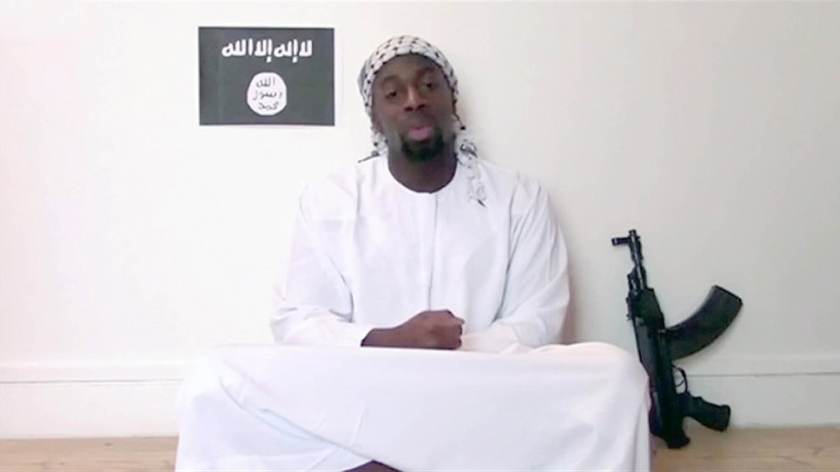Amedy Coulibaly zaútočil v lednu na košér supermarket v Paříži, zastřelil 4 lidi. Vyšetřovatelé pak zjistili, že střílel ze zbraně pořízené na Slovensku.