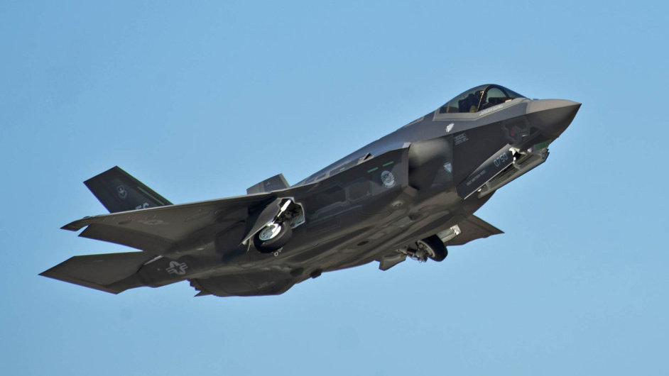 Víceúčelový bojový letoun F-35 Lightning II. vyrábí americká společnost Lockheed Martin. Představuje pátou generaci tohoto typu letounu