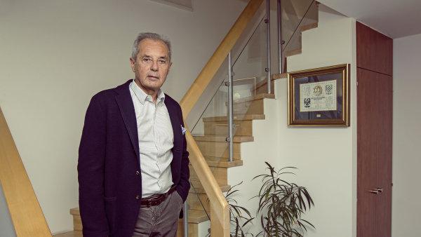 Jiří Šimáně má zájem o státní podíl v ČSA.
