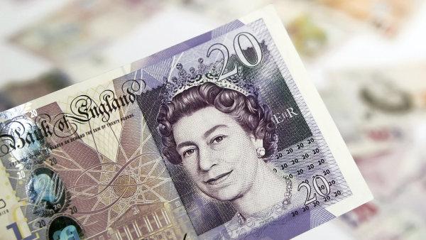 Britská libra prudce klesá - Ilustrační foto.