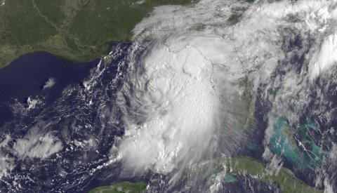 Satelitní snímek tehdy ještě tropické bouře Hermine nad Mexickým zálivem