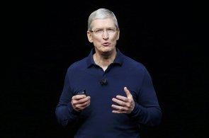 Nový iPhone 7 přišel o konektor pro sluchátka, ale lze ho vzít pod vodu i s hodinkami Apple Watch 2
