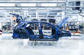 Škoda Auto ztrácí, v prodejích českým domácnostem ji rychle dohání Hyundai