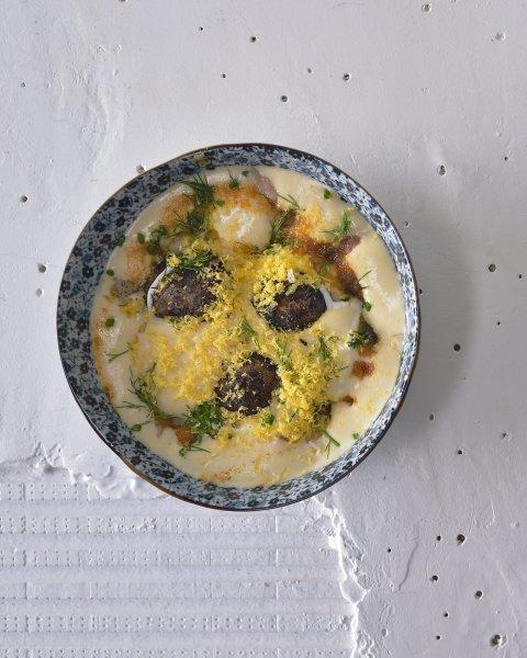 brambory v popelu ryba zloutek kefir