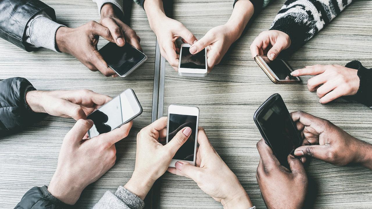 Mobilní nákupy používají především tzv. mileniálové, tedy lidé, kteří dosáhli dospělosti na přelomu století.