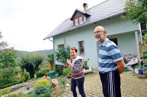 Jak se žije se sousedem Kellnerem: Nejbohatší Čech si vybudoval obří sídlo na Křivoklátsku a staví dál