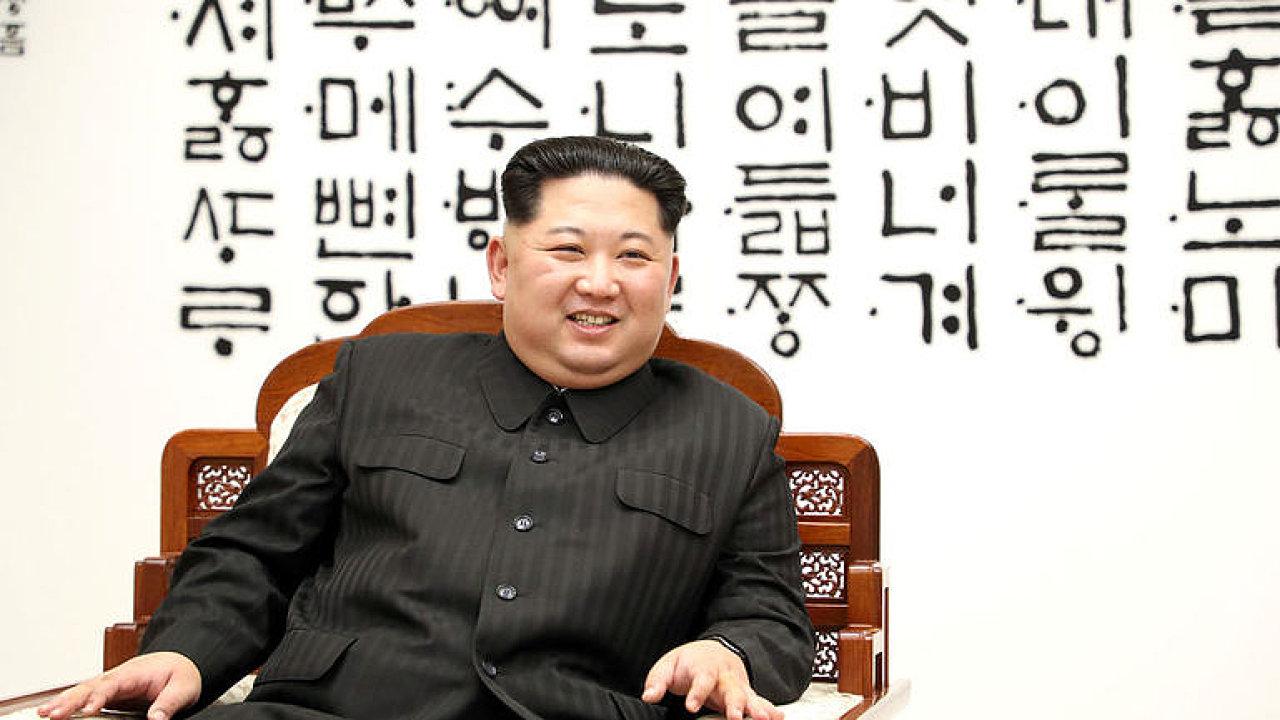 Kim Čong-un by mohl propustit tři americké vězně před svým setkáním s Donaldem Trumpem.