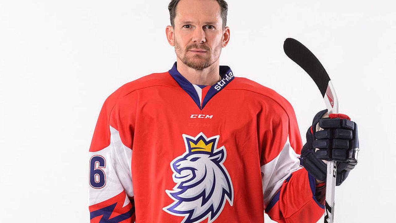 Nové dresy hokejistů? Inspirujeme se NHL, ale Češi špatně přijímají změny, říká Záruba