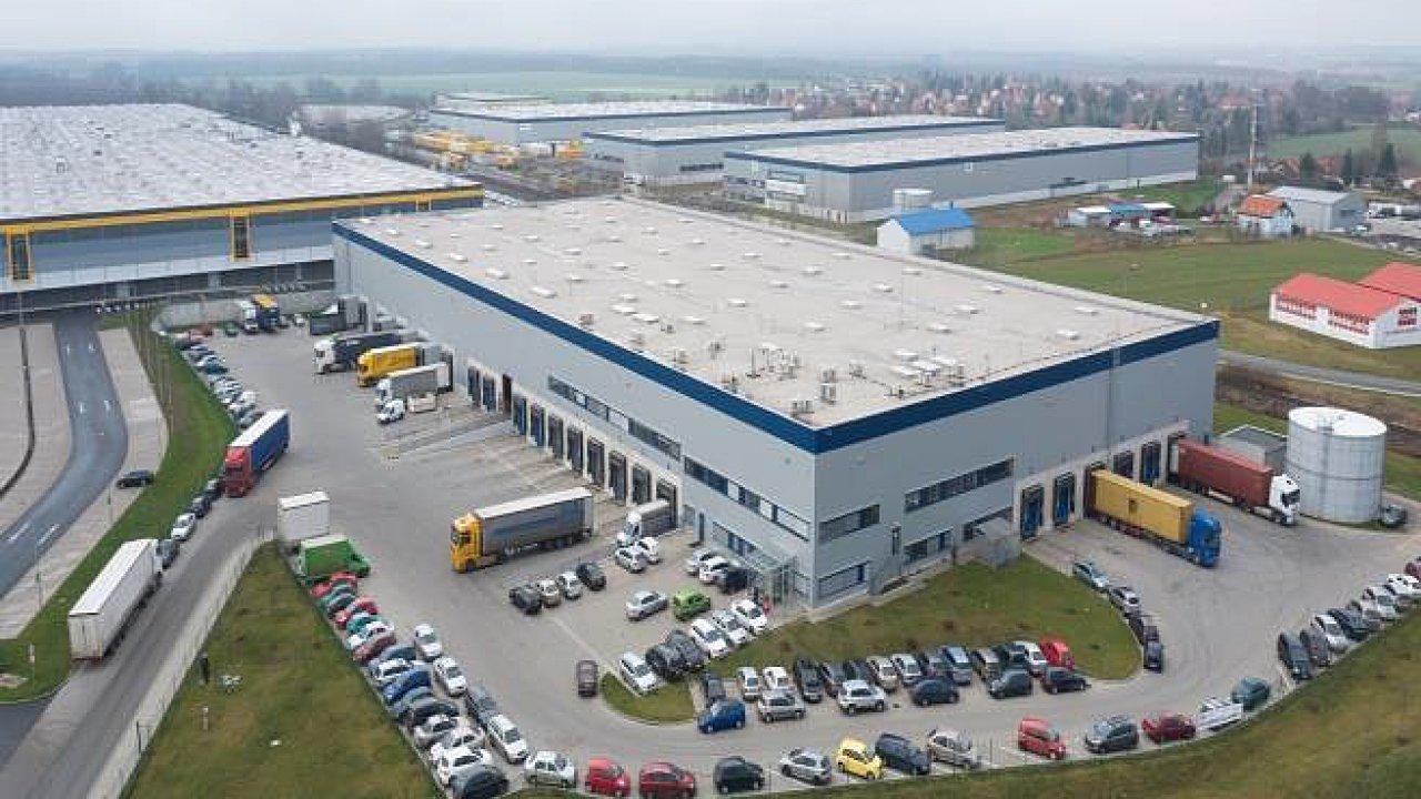 Zatím největší logistickou plochu si letos v Praze pronajala společnost Cargo-partner.