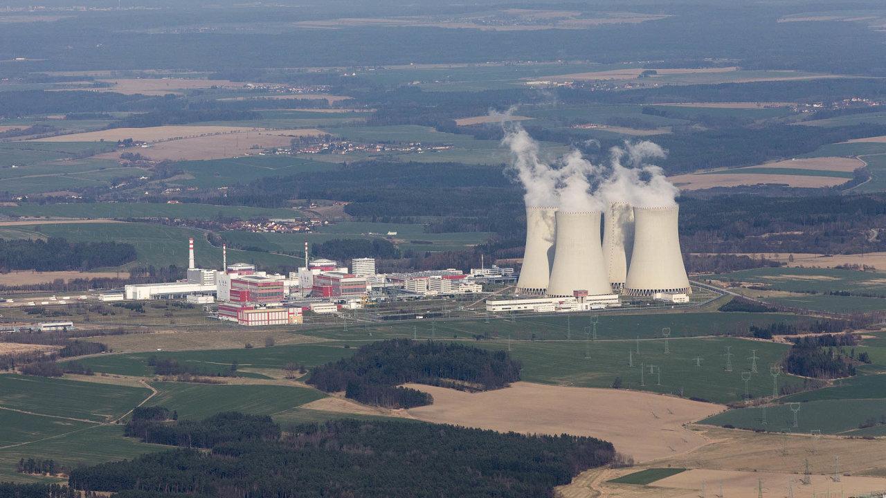 Podlouhých letech dohadů se ale nyní zdá, že česká vláda vpondělí schválí plán, jak zaplatit nové bloky Jaderných elektráren Dukovany aTemelín (na snímku).