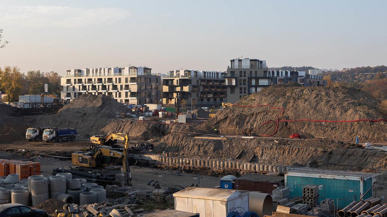 Zlevnění hypoték by opět mohlo nastartovat zájem o výstavbu bytů.