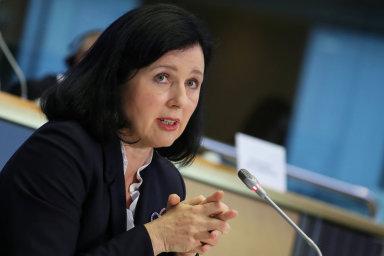 Výbory EP schválily Jourovou jako místopředsedkyni EK.