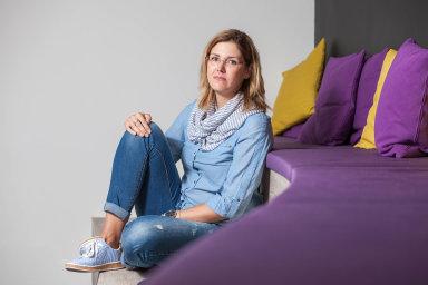 """""""Věděla jsem, že takhle dál pokračovat nemůžu. Naštěstí se mi podařilo získat místo vefirmě Inventi, která mi vyšla vstříc,"""" říká HR manažerka Alena Kastelic."""