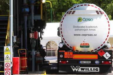 Nakonci roku vyprší Agrofertu a dalším firmám dlouhodobé kontrakty aČepro chystá novou soutěž.