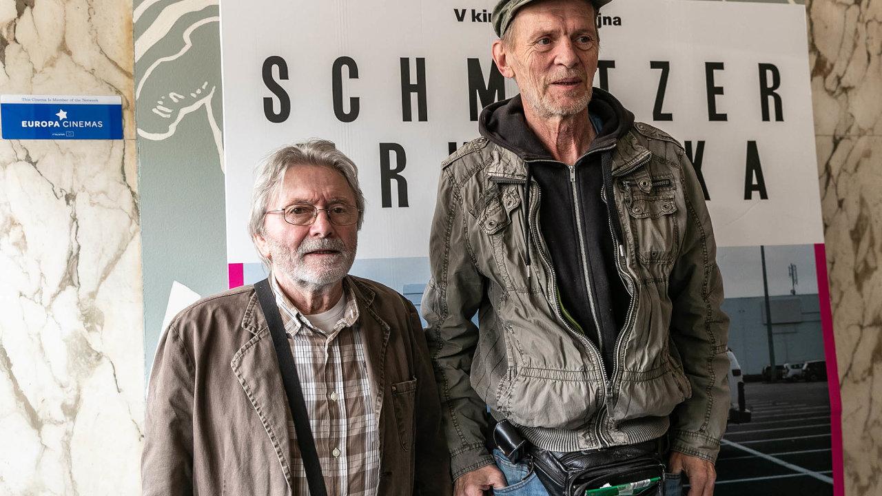 Úspěšní Staříci. Ladislav Mrkvička aJiříSchmitzer získali ocenění za své herecké výkony vefilmu Staříci.