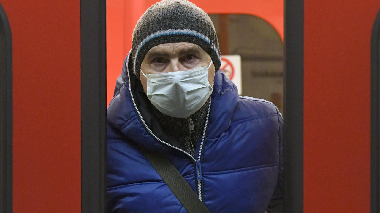 Since midnight on 17 March 2020 it is necessary to have covered mouth and nose in public transport in Prague.