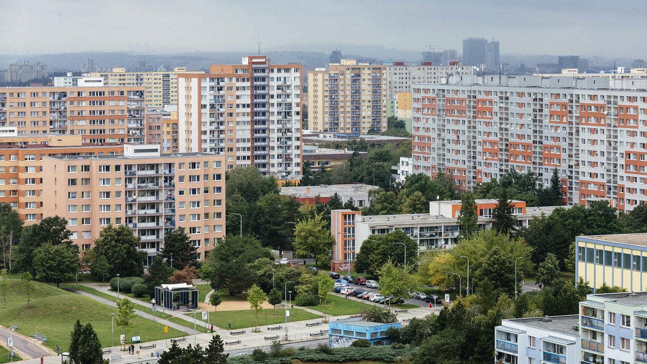 Navzdory březnovému zavedení vládních preventivních opatření zatím došlo jen kezpomalení růstu cen nových bytů v Praze.