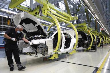 V příštích třech měsících se navíc čeká další bezprecedentní propad německého průmyslu.