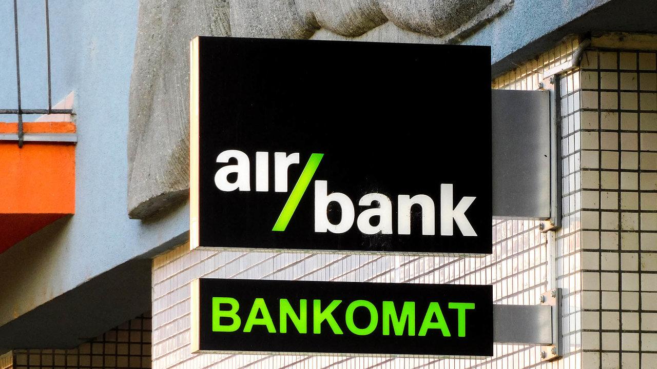 Jen asi polovinu celkové bilance Air Bank tvoří úvěry. Ačást úrokových příjmů navíc jde odskupiny PPF.