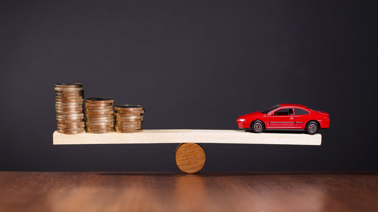 Náklady na provoz a pořízení auta – je to černá díra?
