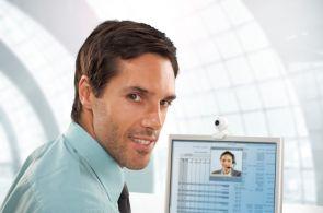 Pětinu pracovní doby tráví zaměstnanci na internetu. Ilustrační foto.
