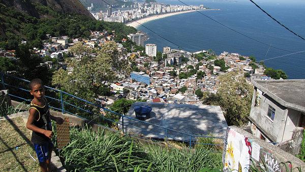"""Favely v Riu místní policie """"pacifikuje""""."""