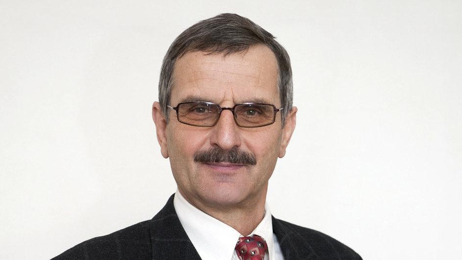 Prof. RNDr. Bohumil Kratochvíl, DSc., prorektor pro vědu a výzkum Vysoké školy chemicko-technologické v Praze.