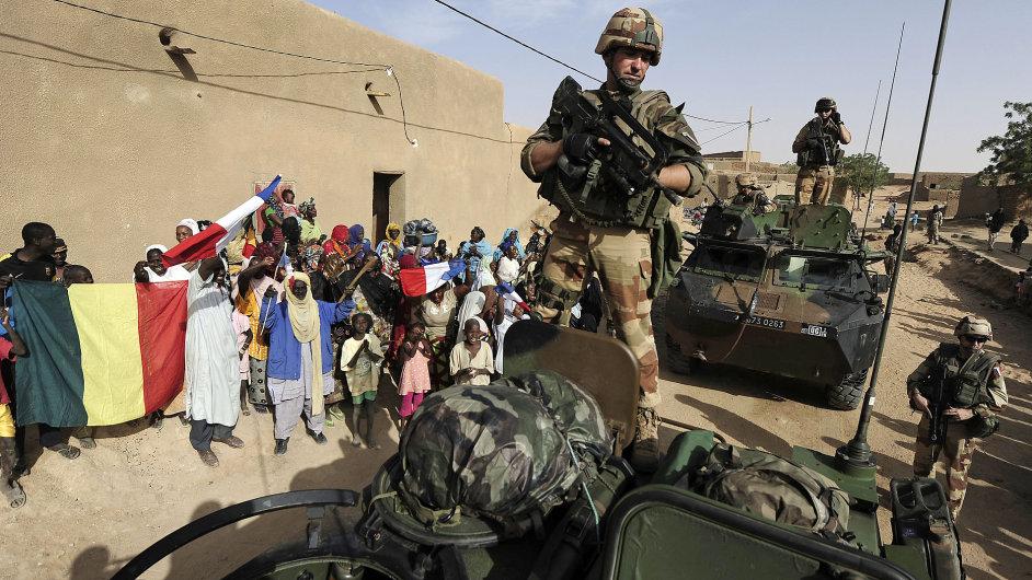 Francouzské jednotky v maliském městě Bourem