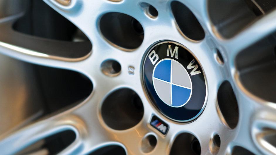 BMW mírně klesly tržby i zisk
