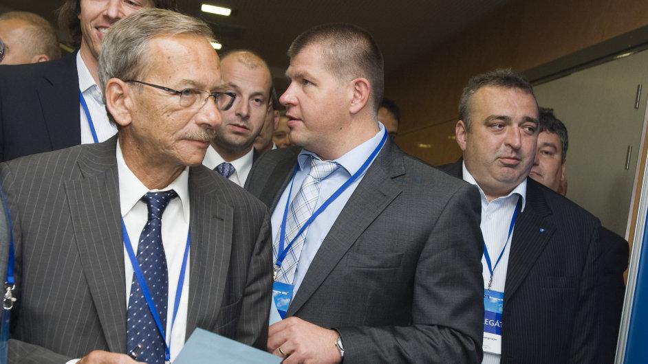 Senátor Jaroslav Kubera na kongresu ODS v roce 2010.