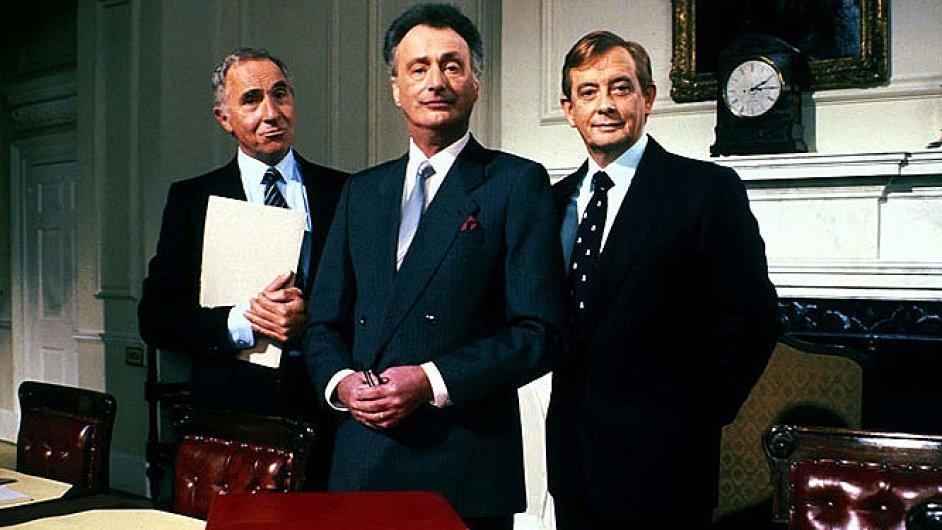 Sitkom Jistě, pane ministře začala BBC vysílat v roce 1980
