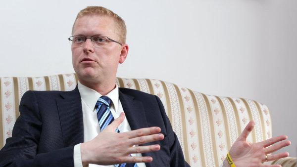 Podle Pavla Bělobrádka je v Česku stále malá spolupráce mezi firmami a vědeckými institucemi.