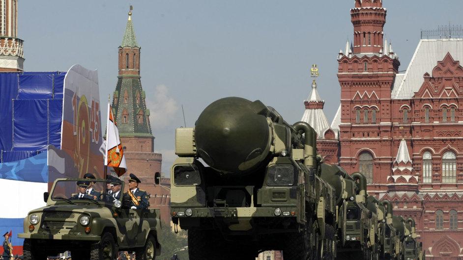 Kreml upraví vojenskou doktrínu v reakci na kroky NATO.