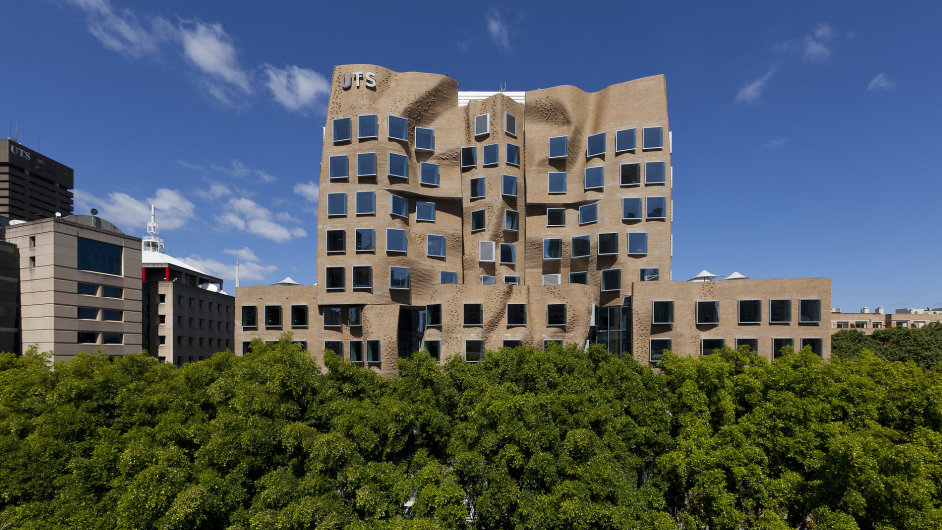 Dr Chau Chak Wing Building v Sydney