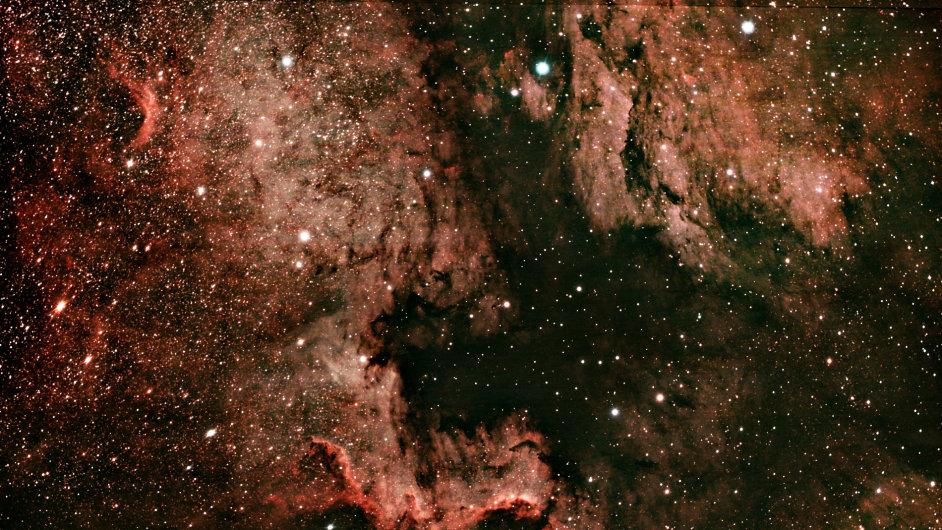 Mlhovina NGC7000 v Labuti fotoaparátem Petra Švendy