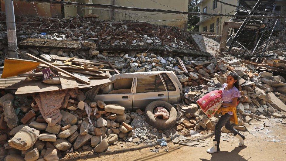 Spadlé budovy v Čautaře