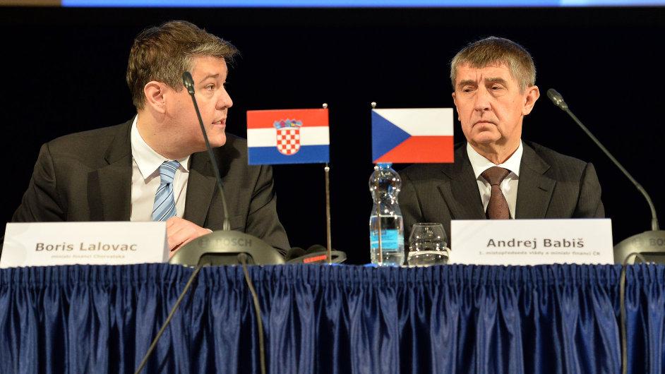 Chorvatský ministr financí Boris Lalovac (vlevo) a jeho český protějšek Andrej Babiš na konferenci o EET