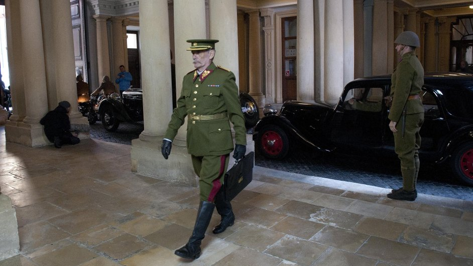 Snímek z natáčení filmu o Janu Masarykovi v Bratislavě.