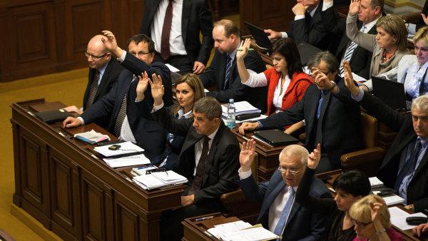 Vládní většina chce projednat i některé návrhy opozice - Ilustrační foto.