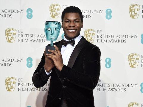 Cenu pro vycházející hereckou hvězdu získal John Boyega, který na sebe letos upozornil jednou z hlavních rolí ve Star Wars: Síla se probouzí.