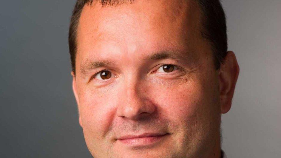 Ondřej Holek - odpovídá za poradenství pro sektor telekomunikací KPMG Česká republika.
