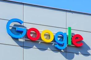 Google prohrál při s ruským Yandexem o vyhledávač v mobilu, může to pomoci i českému Seznamu