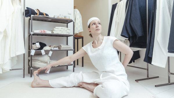 Jogínka a oděvní návrhářka Kateřina Černá