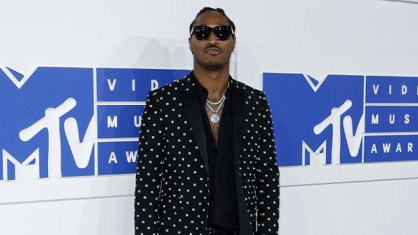 Raper Future je na snímku z loňských hudebních cen MTV Video Music Awards v New Yorku.