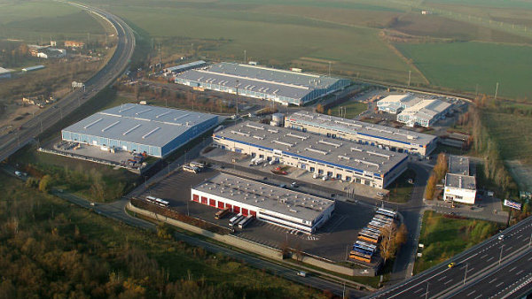 Karlovarská Business Park leží na křížení Pražského okruhu a karlovarské dálnice D6.