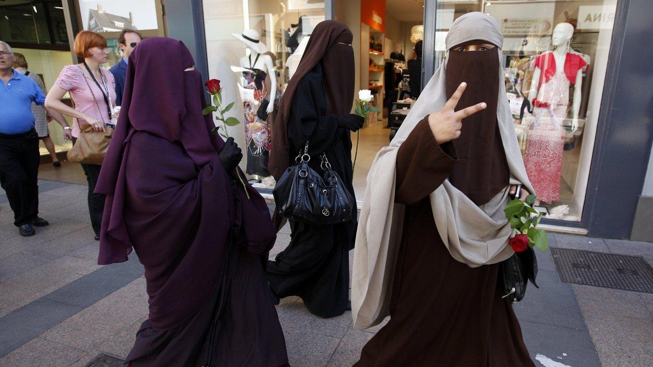 Ilustrační foto - Muslimky v nikábech