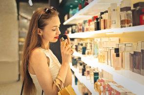 Češi dají ročně za parfémové a toaletní vody miliardy korun – Ilustrační foto.